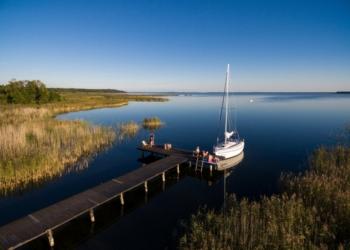 Folwark Łuknajno - na jezioro Śniardwy